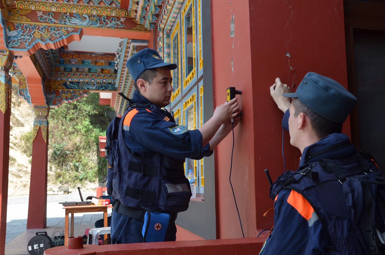 Специалисты МЧС России провели обследование храмового буддийского комплекса Шалпа
