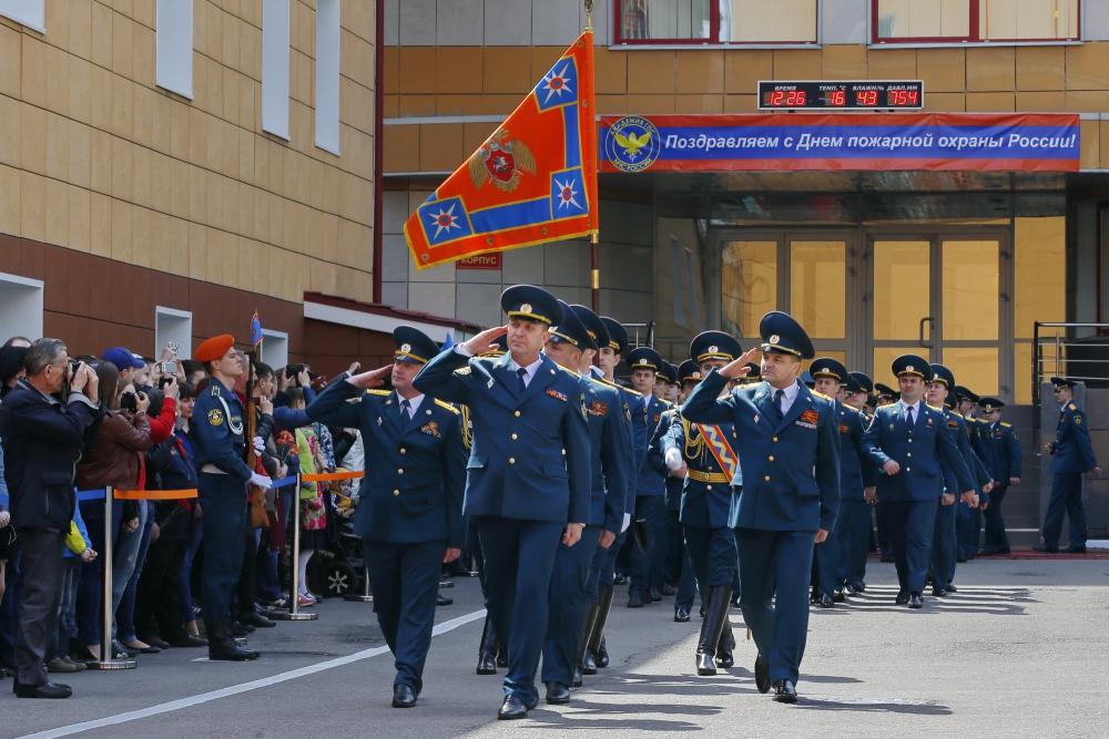 Министр Владимир Пучков открыл памятник, посвященный героической истории службы спасения, подвигу пожарных и спасателей (видео)