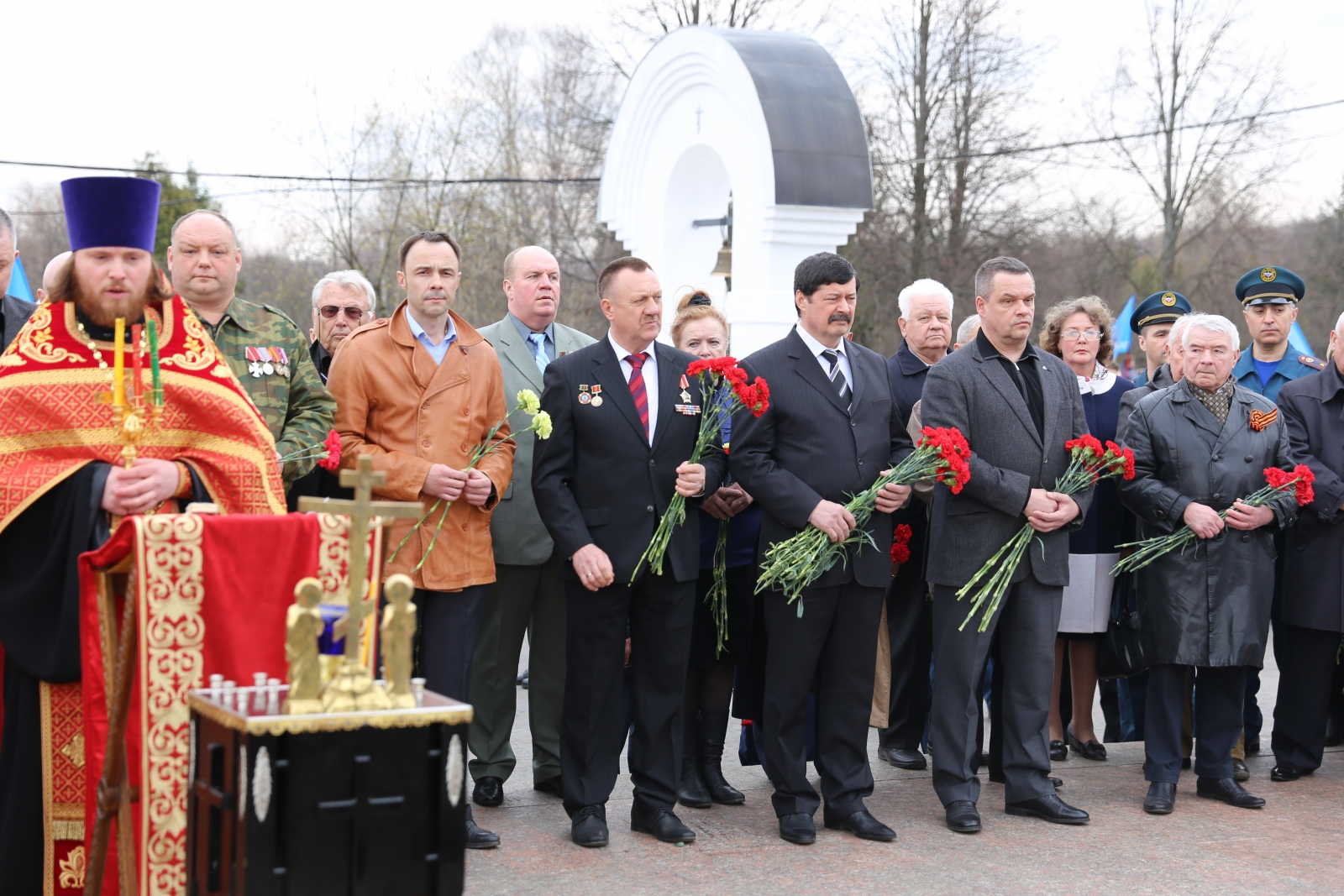 Ликвидаторы последствий катастрофы на Чернобыльской АЭС собрались почтить память товарищей (видео)