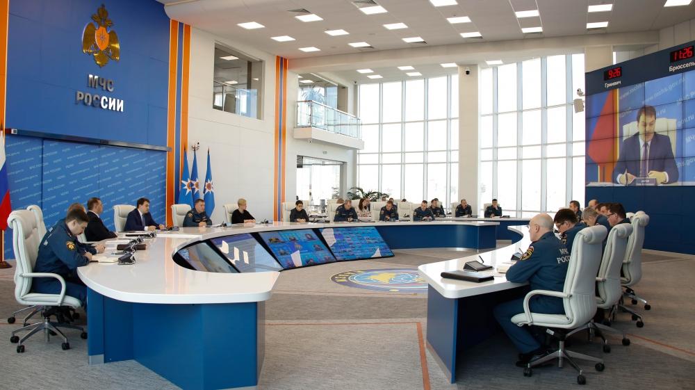 Более тысячи нормативных актов попадут под «регуляторную гильотину» в МЧС России