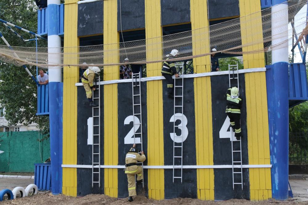 Назван «Лучший пожарный» МЧС России