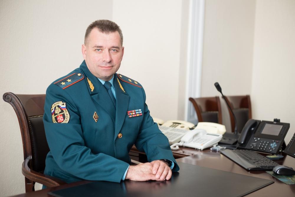 Об инициативах ГУ МЧС России по Санкт-Петербургу, поступлениях современных образцов пожарно-спасательной техники и итогах работы за 10 месяцев 2017 года