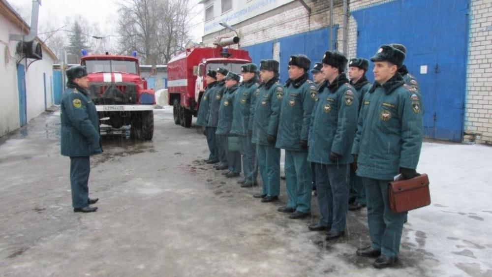 платье тоненьким начальник пожарной части вязьма фото сотрудников сейчас этой