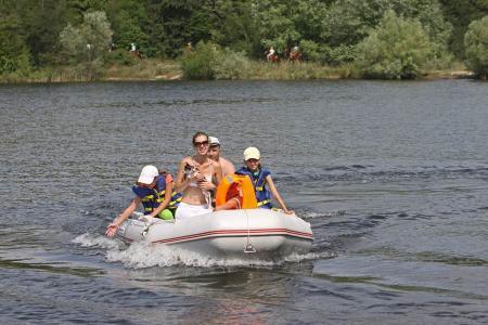 Памятка населению по соблюдению правил плавания на лодке