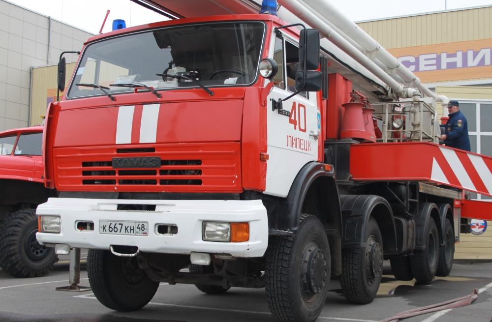 Уступите дорогу пожарному автомобилю!