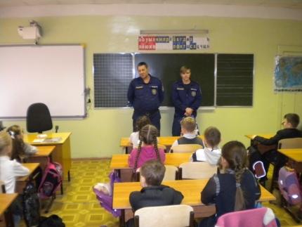 Орехово-Зуевским школьникам сотрудники МЧС рассказали о безопасном поведении на льду
