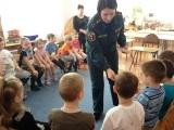 Детям спички не игрушка. Сотрудники МЧС провели урок безопасности в детском саду