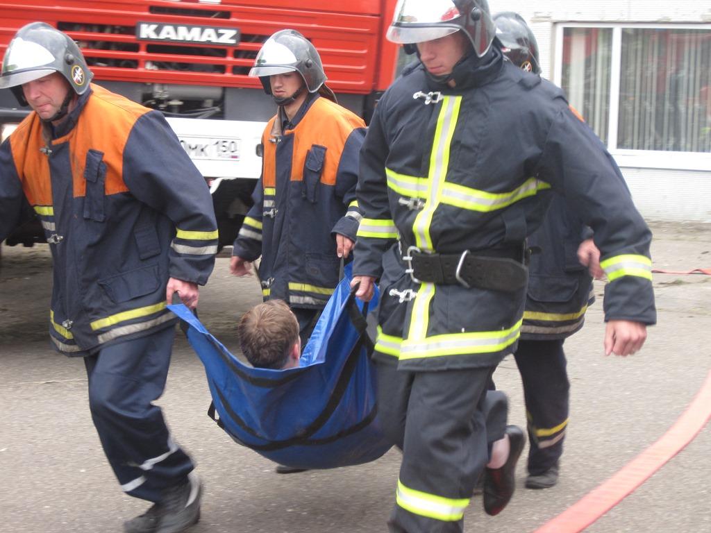 Волоколамские пожарные провели учения в профессиональном училище