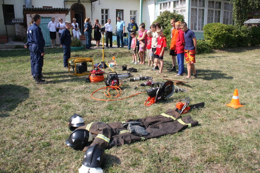 Шефская помощь детскому дому в Луховицком районе