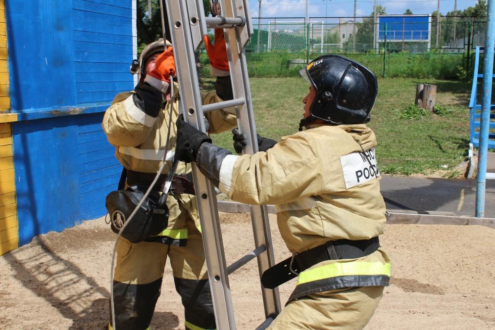 На Орловщине проходят соревнования по пожарно-спасательному спорту