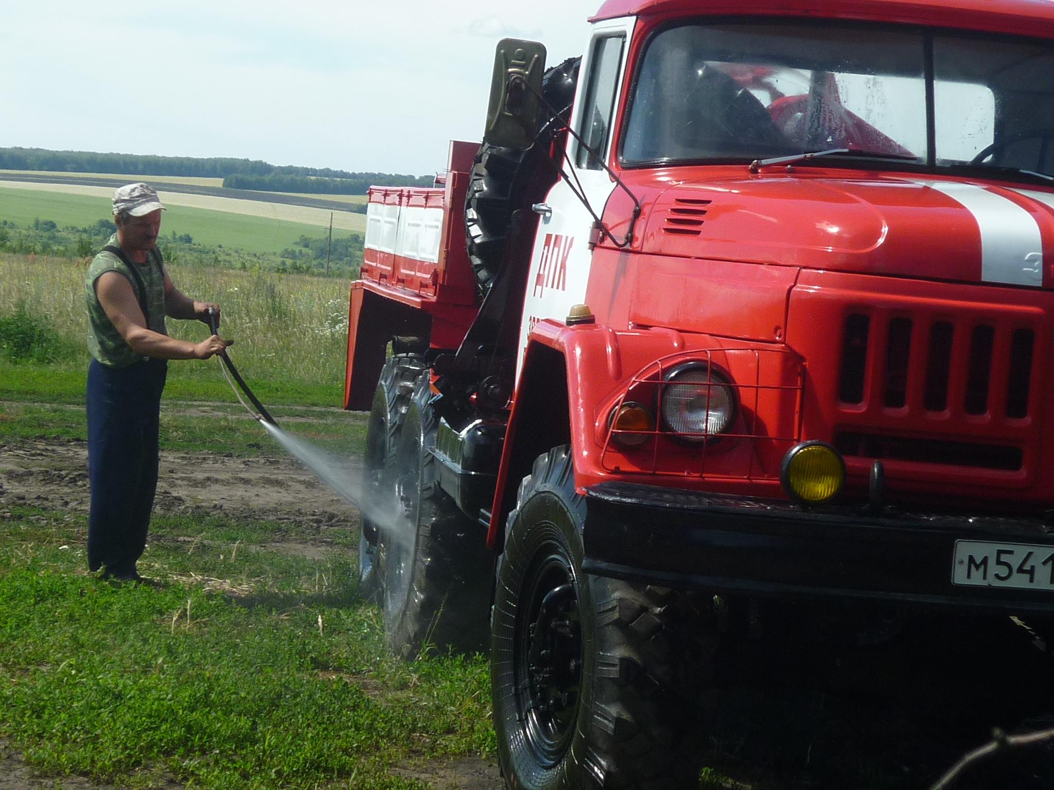 Добровольцы показали хорошие знания пожарного дела