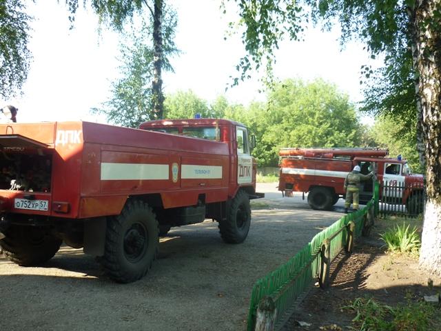 Глазуновские добровольцы и пожарные тренируются вместе
