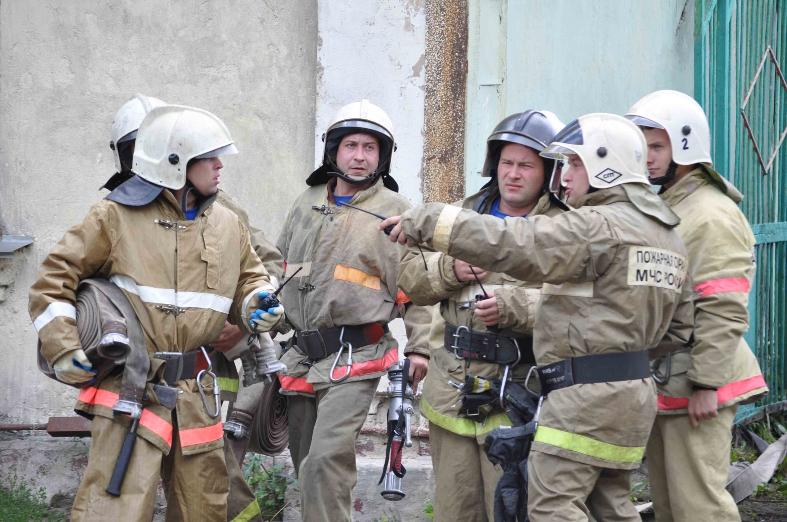 При пожаре в Орле огнеборцы эвакуировали пять человек
