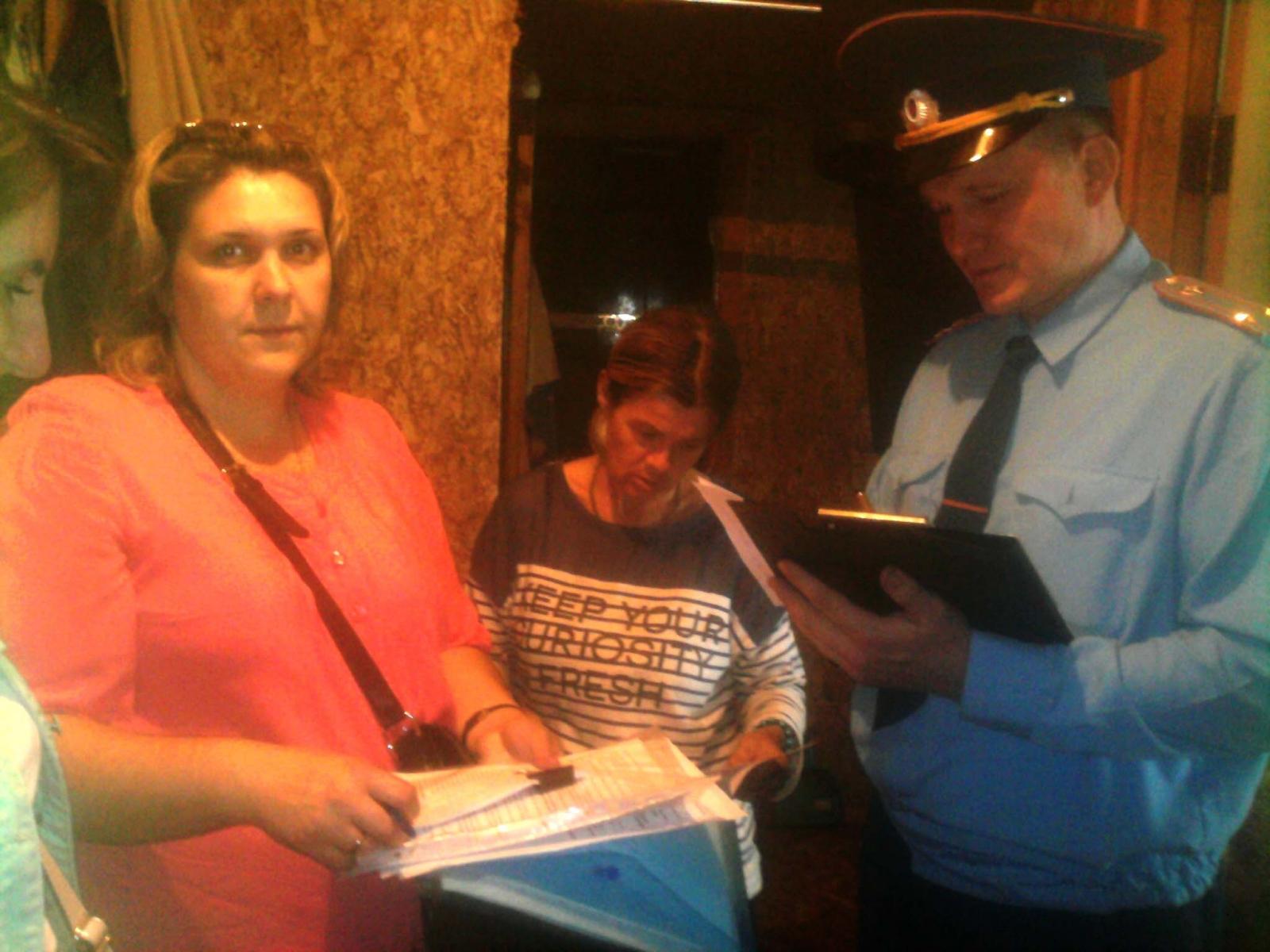 Сотрудники Государственного пожарного надзора города Орла участвуют в работе «социального патруля»