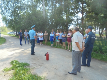 В Ряжском социально-реабилитационном центре для несовершеннолетних прошла тренировка по эвакуации.