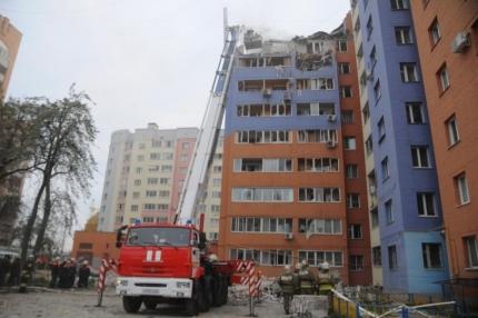 Для эвакуированных жителей дома, пострадавшего в результате взрыва природного газа по улице города Рязани, развернут пункт временного размещения, работает телефон горячей линии
