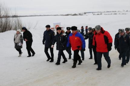Министр МЧС России Владимир Пучков проинспектировал ледовую переправу в Шиловском Районе Рязанской области