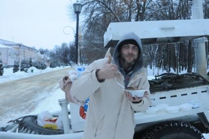 Огнеборцы Рязани не только спасут от огня, но и согреют горячим чаем в морозный день