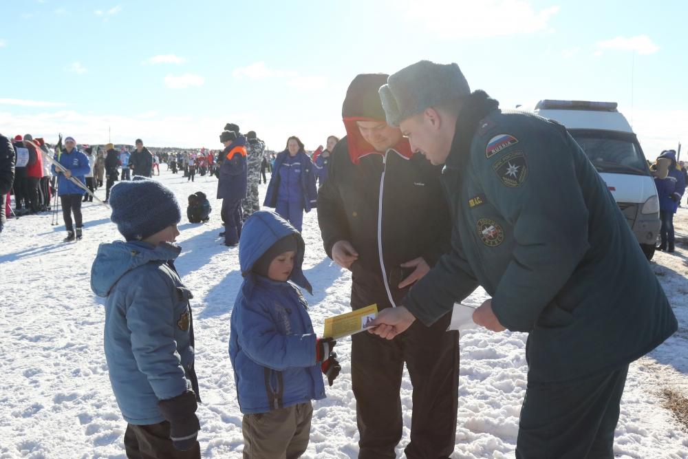 Рязанские спасатели и пожарные приняли участие в XXХV открытых Всероссийских лыжных гонках «Лыжня России - 2017»