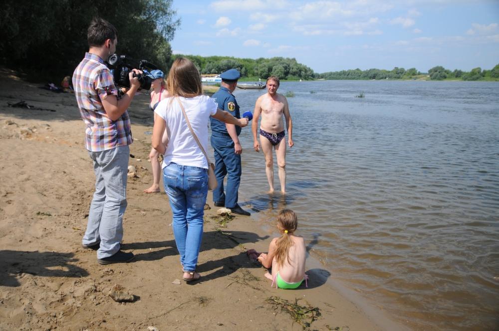 Очередной профилактический рейд провели сотрудники регионального МЧС совместно с журналистами в Рязанском районе