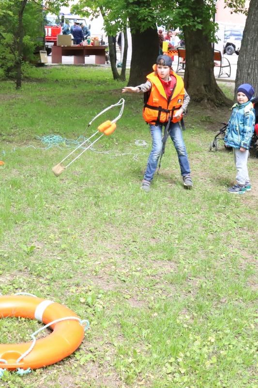 В преддверии Международного дня защиты детей рязанские пожарные и спасатели приняли участие в городском празднике «Во!СемьЯ!»