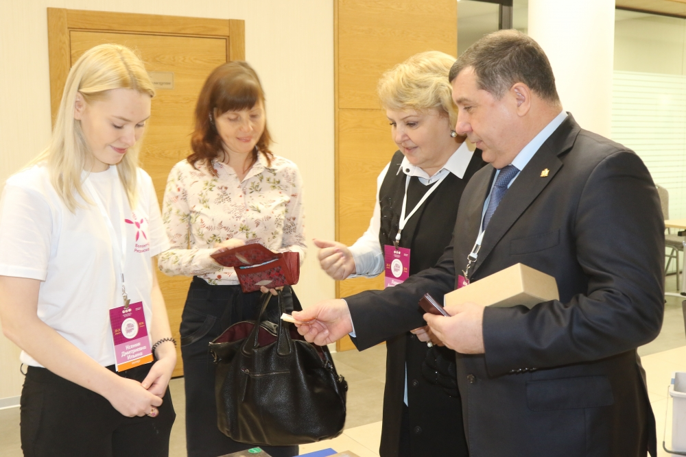 В рамках II Форума добровольцев Рязанской области между Главным управлением МЧС России по Рязанской области и добровольным поисковым отрядом «Лиза Алерт» подписано соглашение