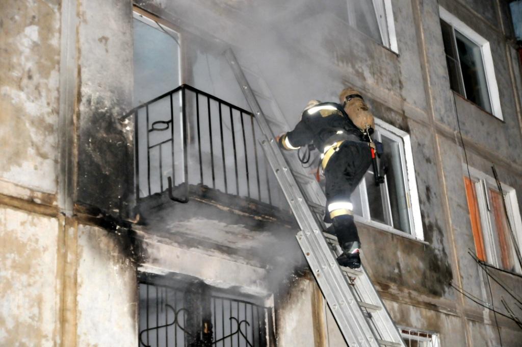 Тушение пожара в Октябрьском городе в Рязани