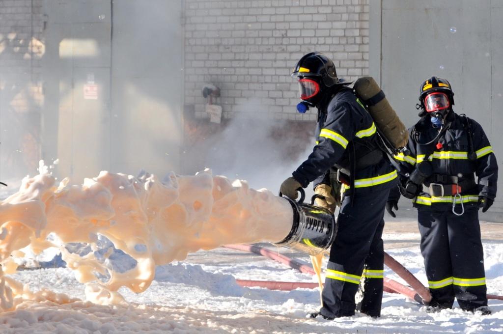 Тренировка по тушению пожара на предприятии топливно-энергетического комплекса