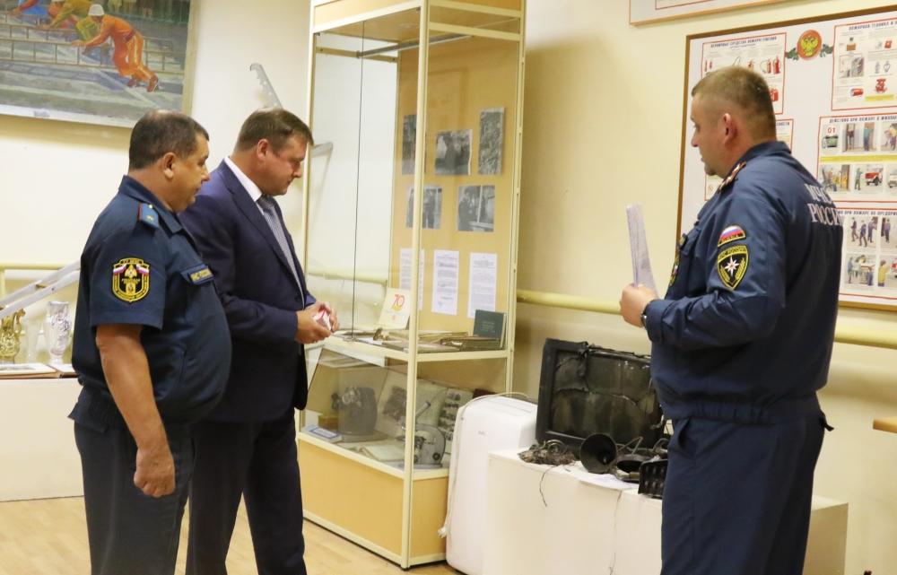 Губернатор Рязанской области Николай Любимов посетил Главное управление МЧС России по Рязанской области