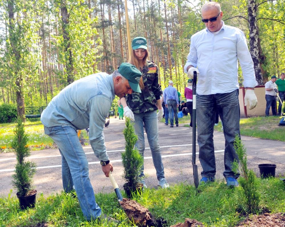 Сотрудники Главного управления МЧС России по Рязанской области на Всероссийском дне посадки леса
