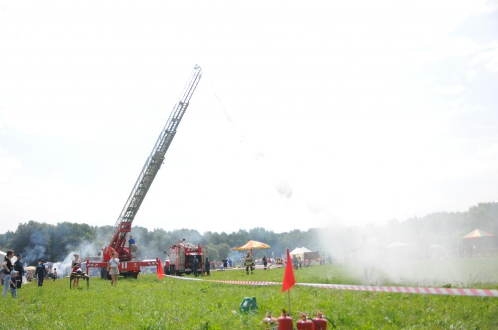 Рязанские пожарные и спасатели приняли участие в фестивале «Рановское лето»