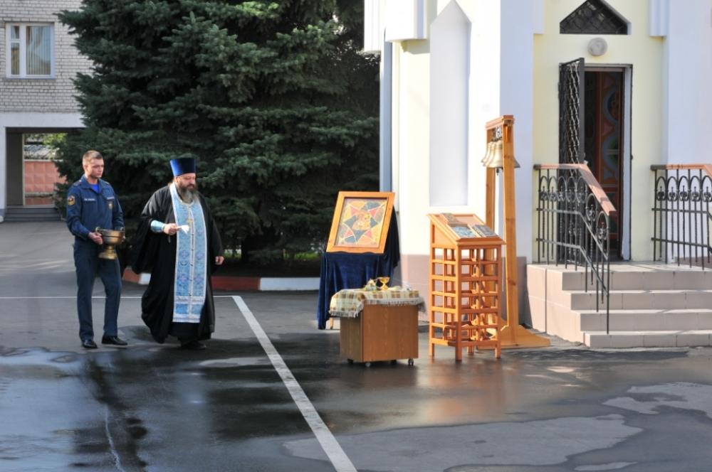 Праздник в честь иконы Божьей Матери Неопалимая Купина