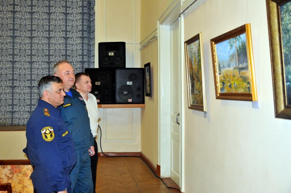 Выставка картин начальника пожарной части по охране села Путятино Игоря Корякина
