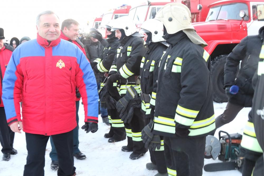 Глава МЧС России Владимир Пучков провел заседание постоянно действующей рабочей группы Правительственной комиссии по предупреждению и ликвидации чрезвычайных ситуаций и обеспечению пожарной безопасности и областной комиссии по предупреждению и ликвидации