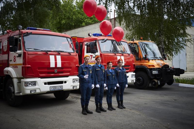 В Рязани открыли стелу памяти пожарным, погибшим при исполнении служебного долга