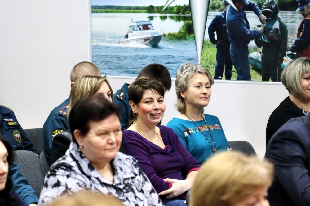 Торжественное собрание, посвященное Международному женскому дню