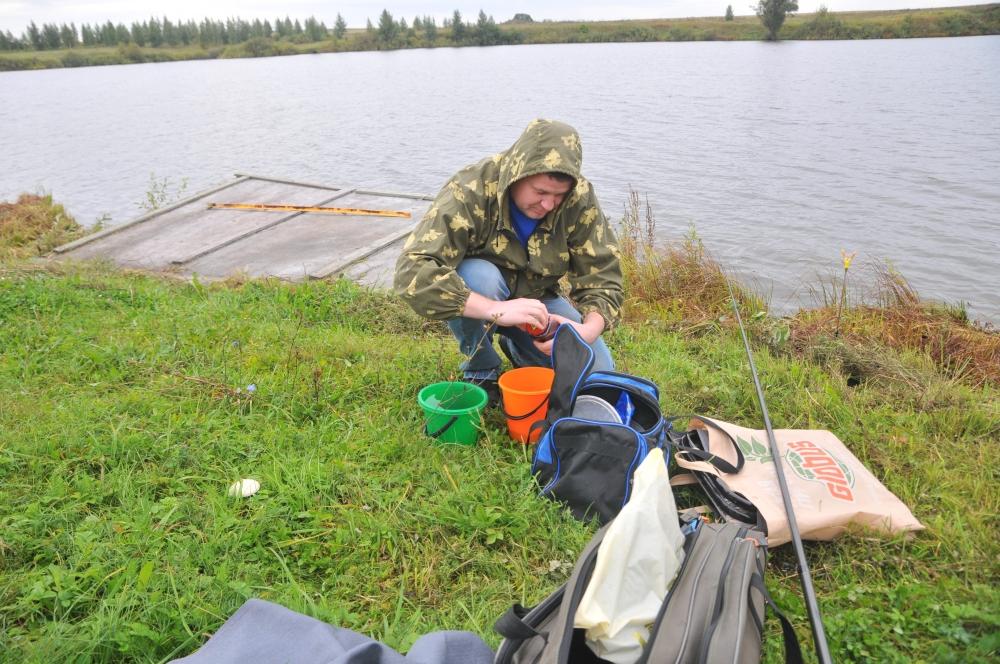Соревнования по рыбной ловле среди пожарных и спасателей в Пронском районе Рязанской области
