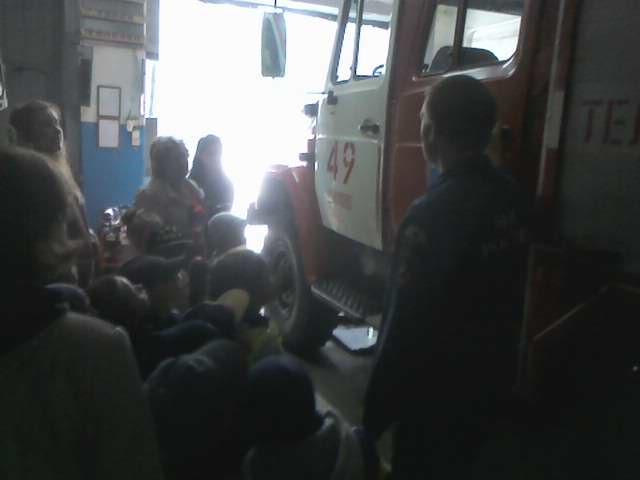 Шиловские пожарные пригласили в гости детей