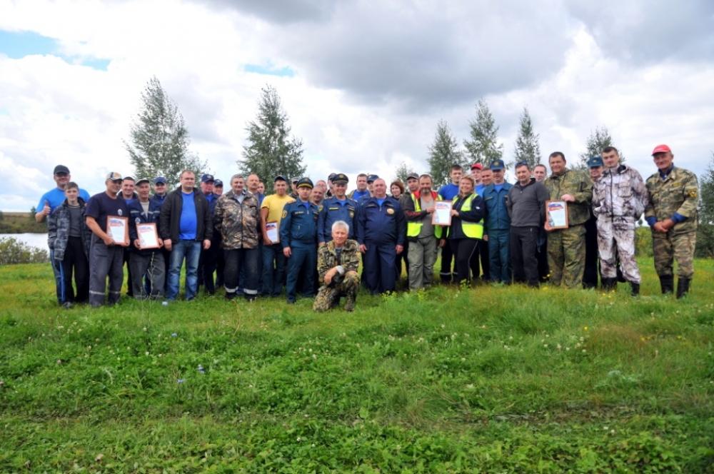 В Пронском районе Рязанской области пожарные и спасатели соревновались в рыбной ловле