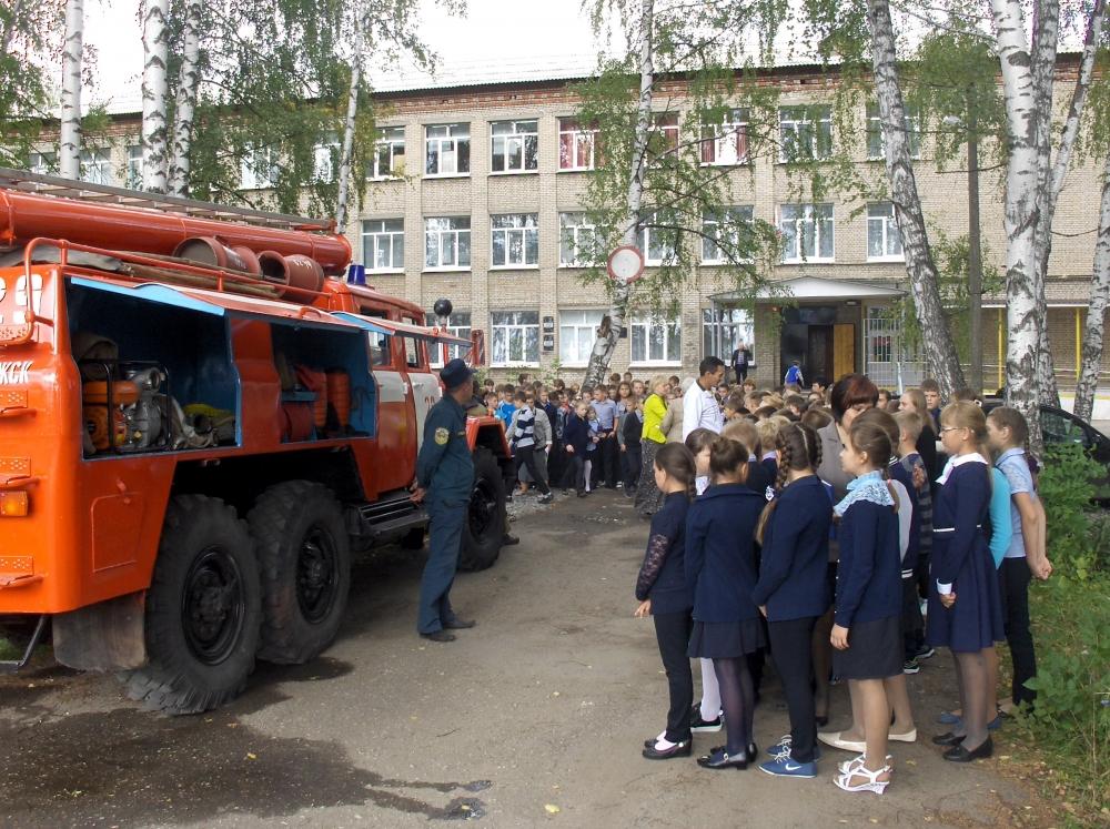В рамках Года пожарной охраны в  МЧС России и проведения месячника безопасности в школах Рязанской области прошли профилактические мероприятия