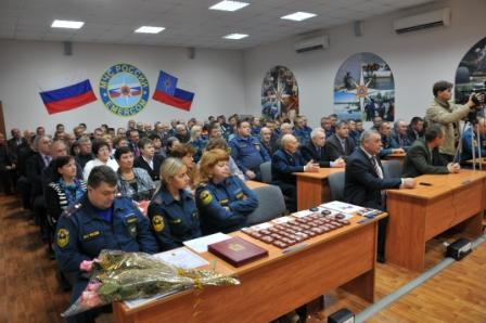 Торжественное собрание, посвященное 80-летию гражданской обороны