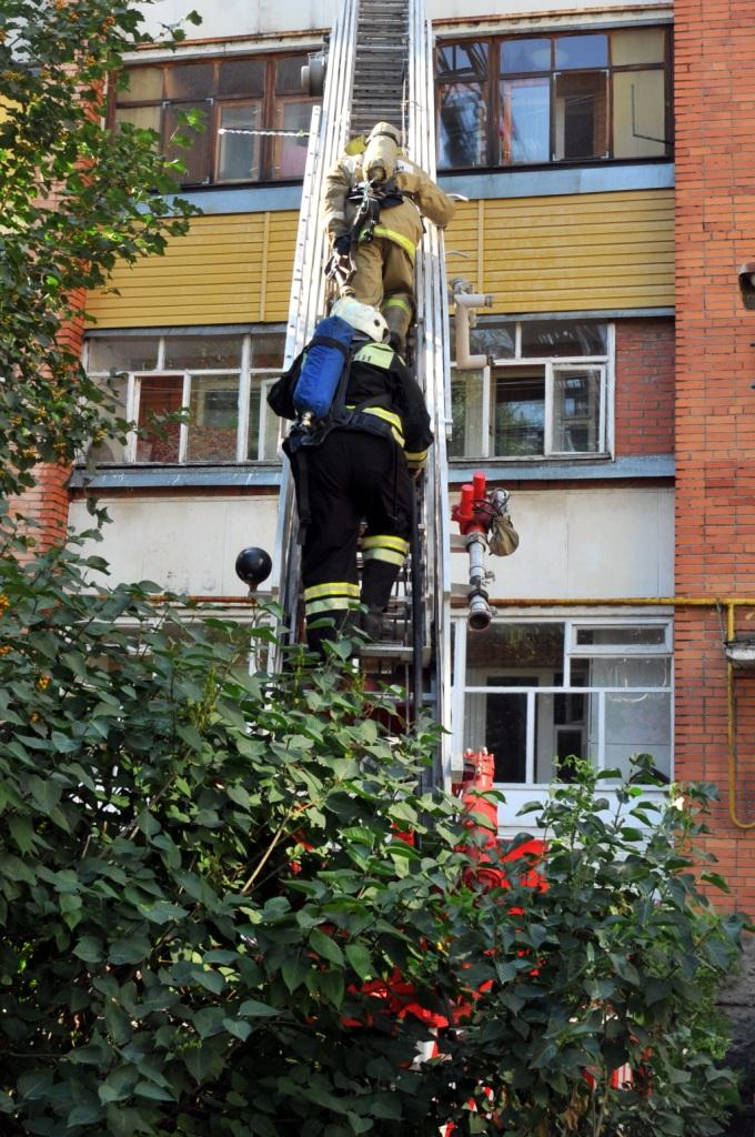 Ликвидация пожара на улице Вокзальная города Рязани