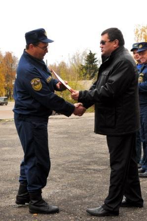 Вручение пожарных автомобилей ДПК Старожиловского района