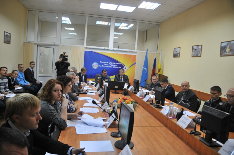 Заседание комиссии при полпреде Президента РФ в ЦФО по предупреждению и ликвидации ЧС и обеспечению пожарной безопасности