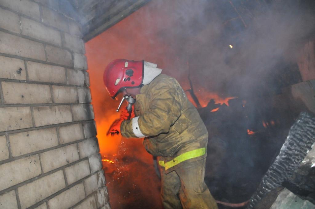 Тушение пожара в поселке Семчино города Рязани