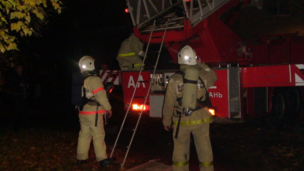 Сотрудники МЧС провели тренировку по ликвидации условного возгорания в лечебном заведении