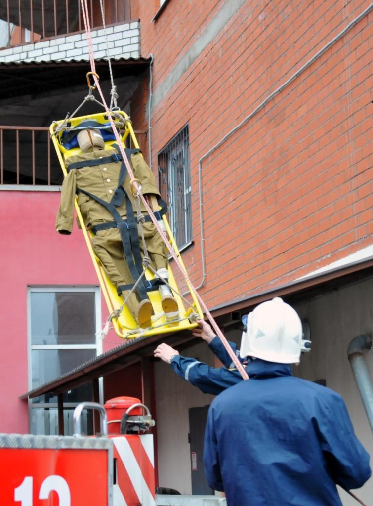 Учения на высотном здании