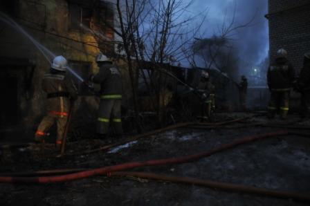 Пожар в доме на улице Высоковольтной