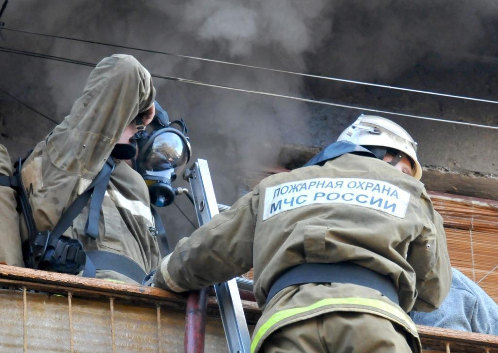 Тушение пожара на улице Радиозаводская города Рязани