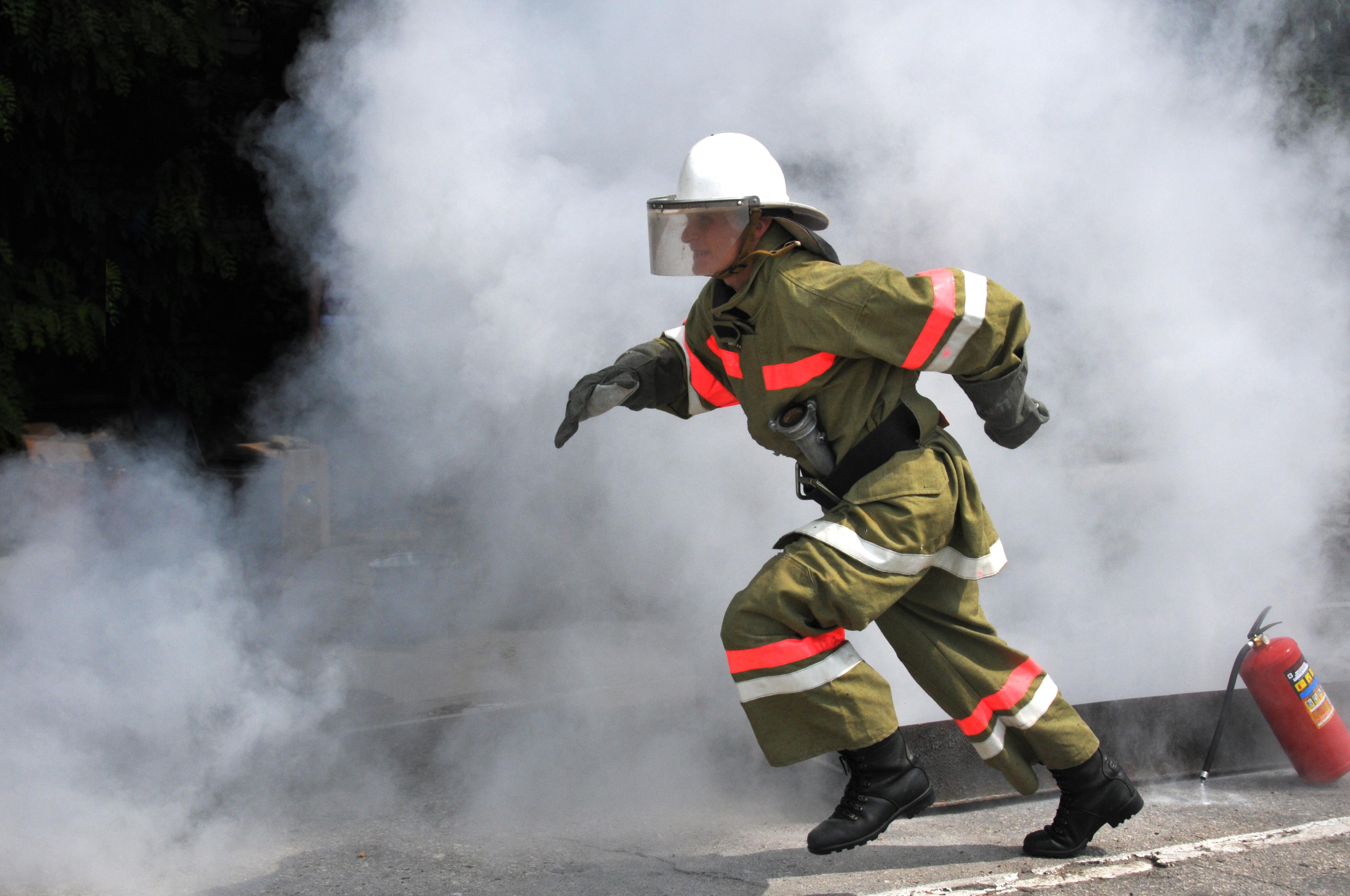 Настоящие помощники пожарных